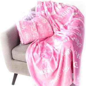 Other - Hugs Blanket The Perfect Caring Gift (Pink)
